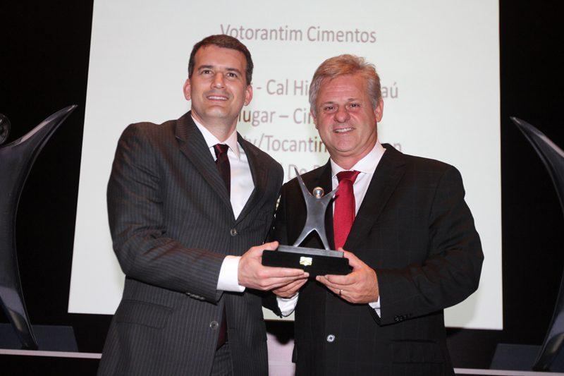 Votorantim Cimentos no Prêmio Melhor Produto do Ano da Revista Revenda